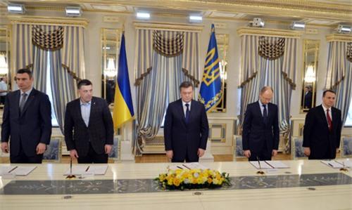 Các phe ở Ukraine ký thỏa thuận chấm dứt khủng hoảng