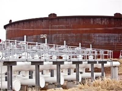 Giá dầu giảm lần đầu tiên sau 3 ngày tăng kỷ lục