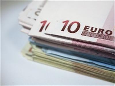 Euro giảm so với hầu hết các đồng tiền giao dịch chủ chốt