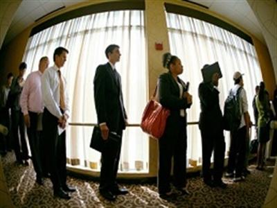 Số đơn xin trợ cấp thất nghiệp tại Mỹ bất ngờ xuống thấp nhất 3 tháng