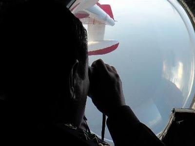 Một người New Zealand cho biết đã thấy máy bay MH370 rơi xuống biển