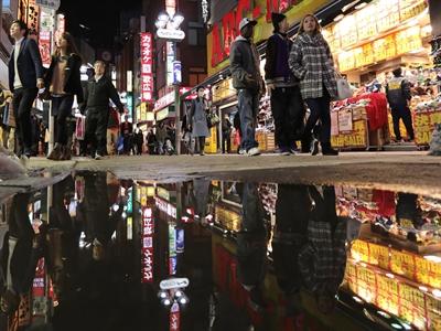 Các công ty lớn Nhật chấp nhận tăng lương lần đầu tiên sau nhiều năm
