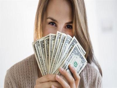 Kinh tế Mỹ chính thức hồi phục với số triệu phú cao kỷ lục
