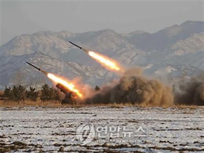 Triều Tiên bắn 25 quả tên lửa ra biển