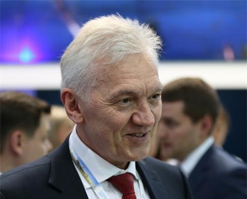 Tỷ phú Nga bán sạch cổ phiếu trước khi bị trừng phạt