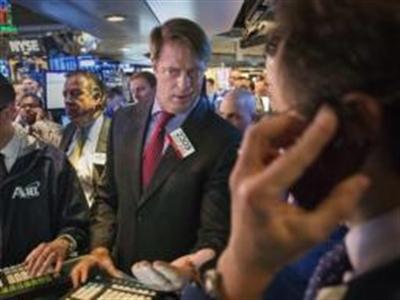 Chứng khoán Mỹ giảm khi trái phiếu Mỹ tăng, USD thấp