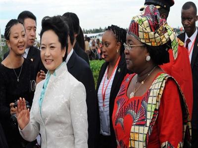 Sức mạnh mềm Trung Quốc: Đệ nhất phu nhân Bành Lệ Viên