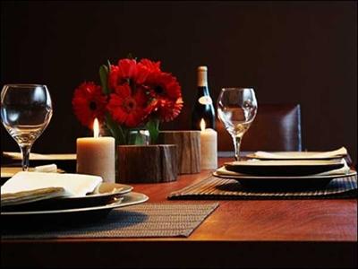 Ăn tối, uống rượu với nến và hoa ở Sofitel Plaza Hà Nội