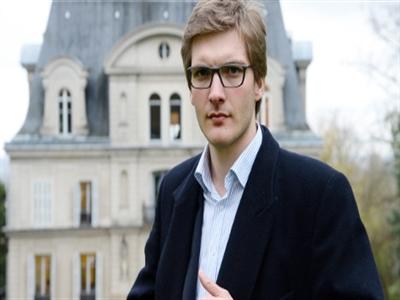 Thị trưởng 22 tuổi đại diện cho thay đổi sắp tới của Pháp
