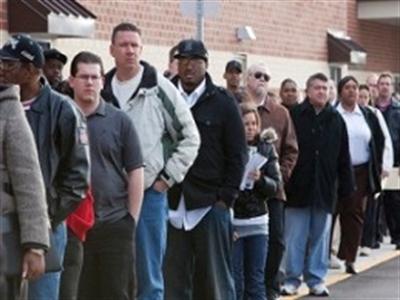 Số đơn xin trợ cấp thất nghiệp Mỹ tăng vượt dự đoán, lên cao nhất 1 tháng