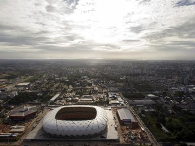 Cận cảnh thành phố đăng cai World Cup 2014 nằm giữa rừng rậm