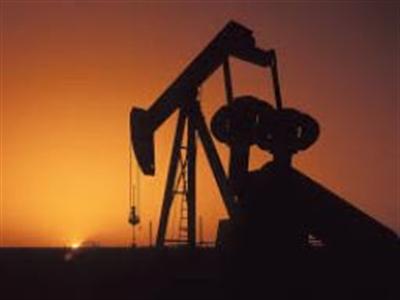 Giá dầu giảm do nguồn cung tại Mỹ giảm, nhu cầu yếu