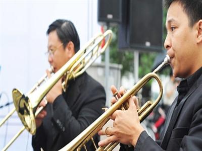 Nghe hòa nhạc jazz đầu tháng 4