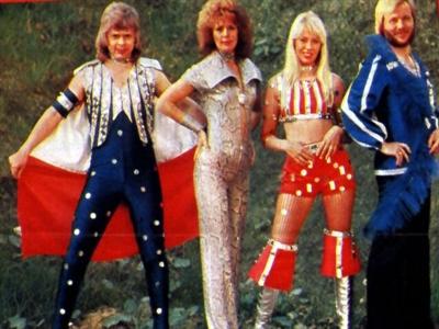 Ban nhạc ABBA: Mặc kỳ quặc để trả ít thuế
