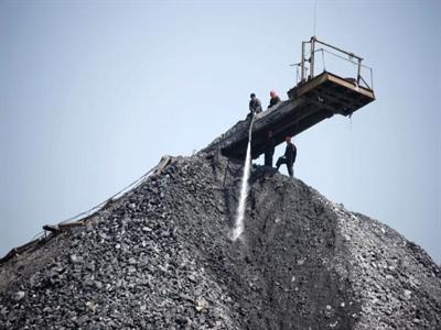 Trung Quốc đóng cửa gần 2000 mỏ than