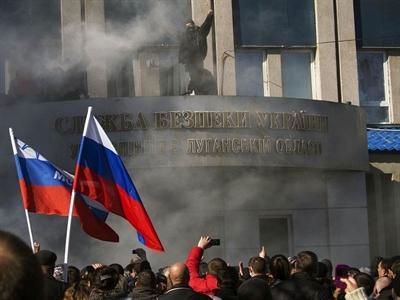 Kerry: Mỹ sẵn sàng áp đặt trừng phạt mới nếu Nga leo thang