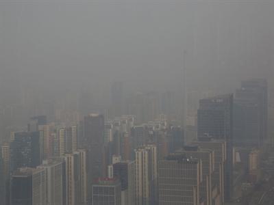 Khói bụi che phủ Bắc Kinh khiến Trung Quốc khó tuyển dụng người tài