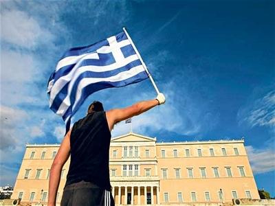 Hy Lạp quay trở lại thị trường nợ quốc tế: Thành công kinh tế hay sự tung hô của giới chính trị gia?