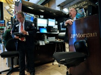 Lợi nhuận của JPMorgan giảm 19%, Wells Fargo tăng 14%