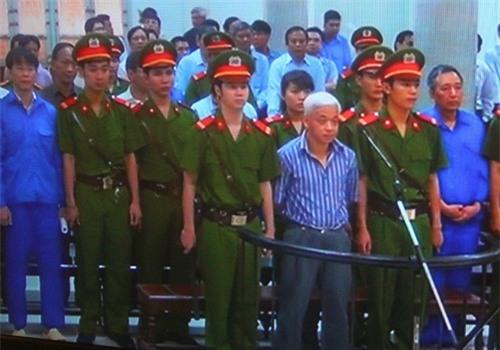 Bầu Kiên hầu tòa, ông Trần Xuân Giá vắng mặt
