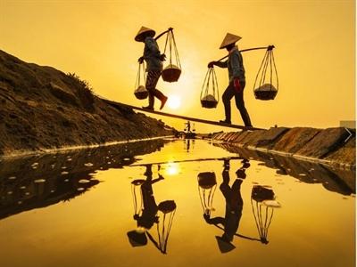 Mùa muối Việt tháng 4 trên tạp chí National Geographic