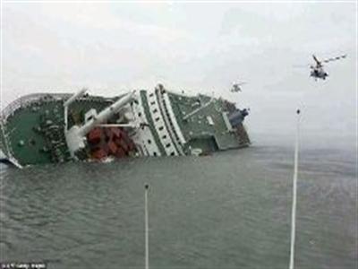 Lộ bằng chứng thủy thủ và quan chức Hàn Quốc do dự sơ tán hành khách