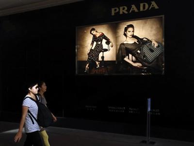 Hàng Trung Quốc giá rẻ xâm chiếm kinh đô thời trang Ý