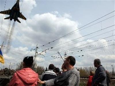 Máy bay Ukraine bị người biểu tình bắn hạ ở miền Đông