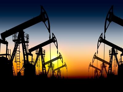 Giá dầu giảm do dự trữ dầu Mỹ tăng cao chưa từng thấy