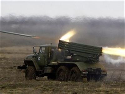 Nga tập trận sát biên giới Ukraine, cảnh báo can thiệp vào Kiev