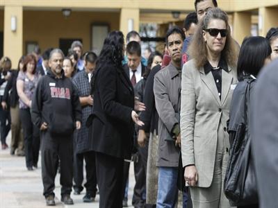 Số đơn xin trợ cấp thất nghiệp của Mỹ tăng cao nhất 1 tháng