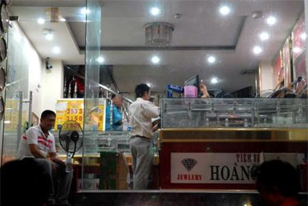Công an phủ nhận 'gài bẫy' trong vụ đột kích tiệm vàng
