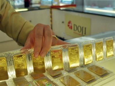 Giá vàng SJC cao hơn giá thế giới 3,2 triệu đồng/lượng
