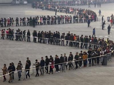 Trung Quốc giảm thuế và cảnh báo rủi ro nợ xấu