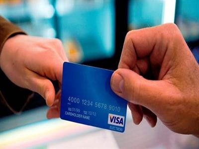 Visa chặn giao dịch thêm hai ngân hàng Nga