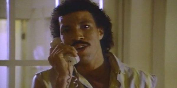 Tình ca Hello: 30 năm, bài hát số phận