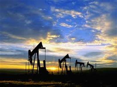 Giá dầu tiếp tục giảm do tồn kho tăng kỷ lục