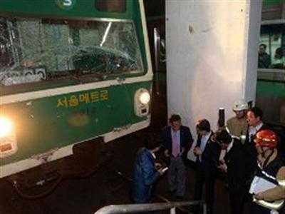 Hàn Quốc: Hai tàu điện ngầm đâm nhau, 170 người bị thương