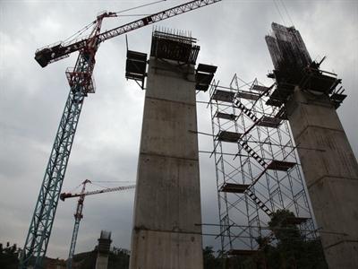 Indonesia sẽ tăng cường xây đường xá, sân bay