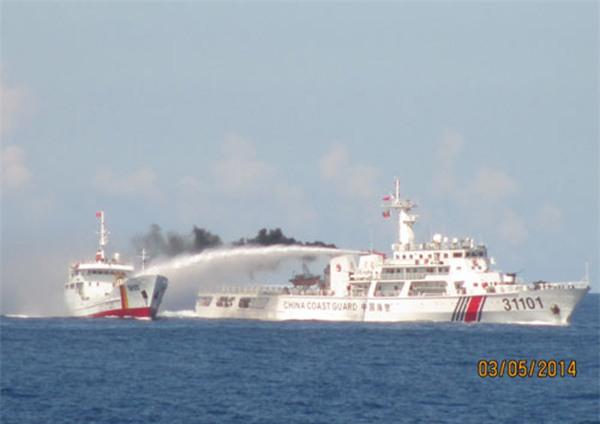 Giàn khoan Trung Quốc trên biển Việt Nam phục vụ ý đồ chính trị