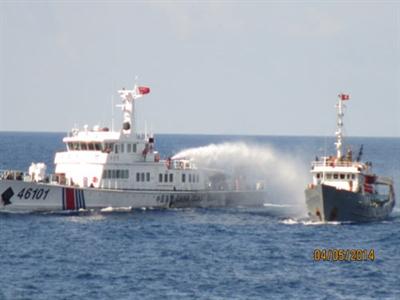 Mỹ lên án tàu Trung Quốc đâm tàu Việt Nam