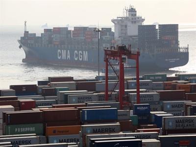 Thương mại Trung Quốc tháng 4 bất ngờ tăng