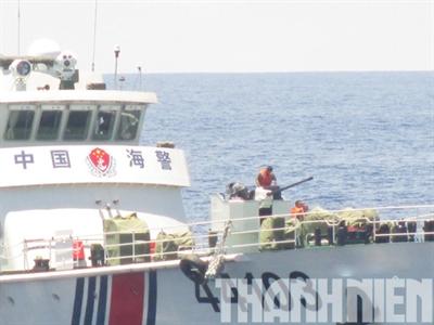 Chùm ảnh mới nhất về hành động hung hăng của tàu Trung Quốc quanh giàn khoan HD-981