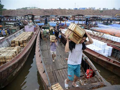 Trung Quốc chăm mua nguyên liệu thô, ngại đầu tư vào Việt Nam