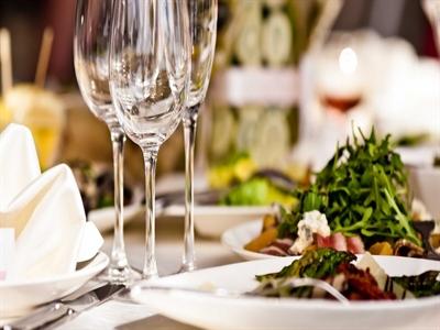 Những quy tắc bàn ăn tại nhà hàng