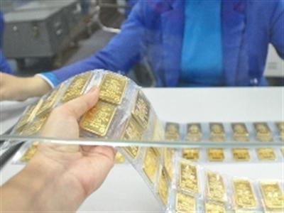 Dân TPHCM mua ròng 2 tấn vàng