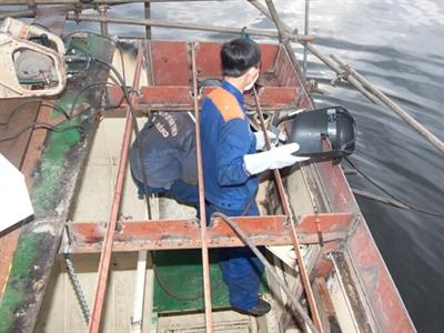 Tàu Trung Quốc ngăn tàu Việt Nam tiếp tế thuốc men ở khu vực giàn khoan