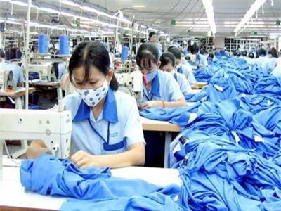 Ngân hàng thừa tiền, doanh nghiệp Trung Quốc đầu tư mạnh