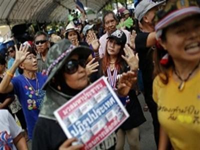 Trại người biểu tình Thái Lan bị tấn công, hai người chết