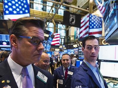 Bán tháo kéo chứng khoán Mỹ giảm điểm